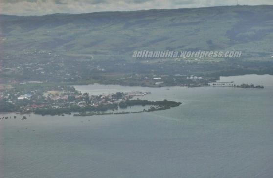 Kota Waingapu tampak dari atas pesawat #takenbypanasonic